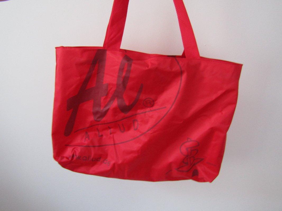 gro e rote tasche mit rei verschluss shopper strandtasche. Black Bedroom Furniture Sets. Home Design Ideas