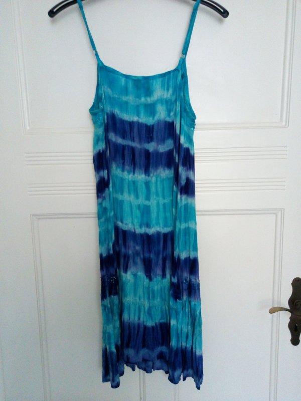 Sommerkleid in türkis und blau mit Stickerei und ...