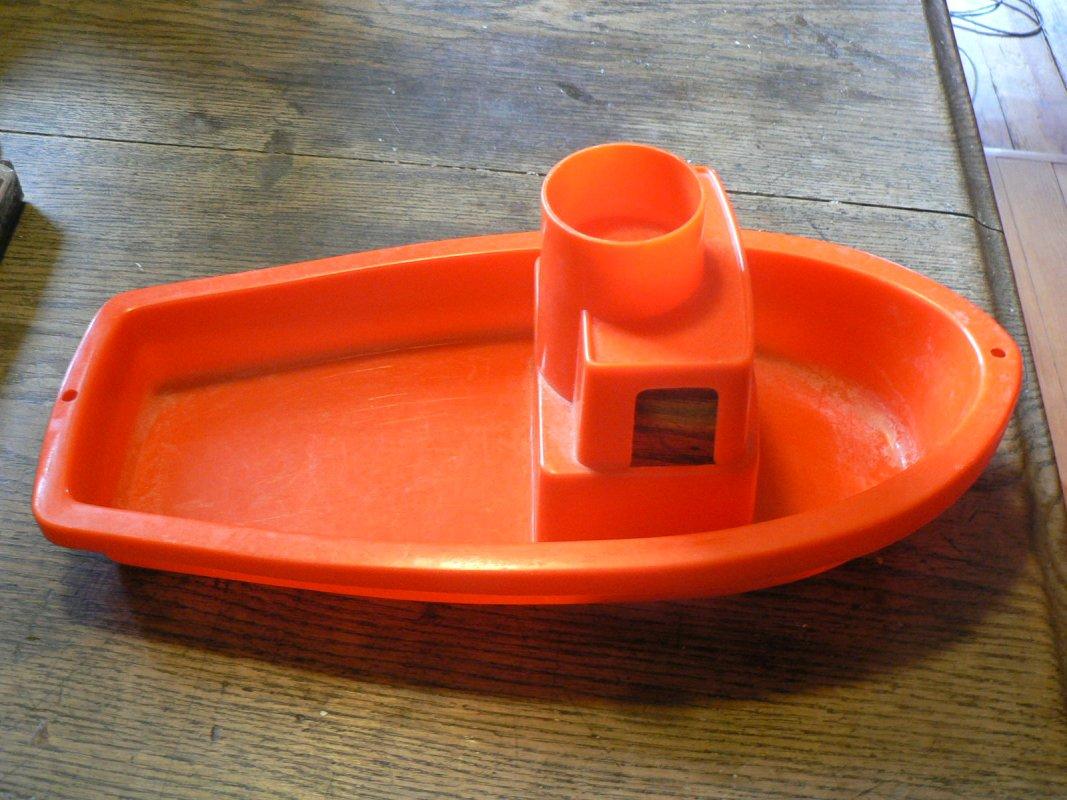Plastik boot f r badewanne pool tauschen tauschb rse for Pool aus plastik